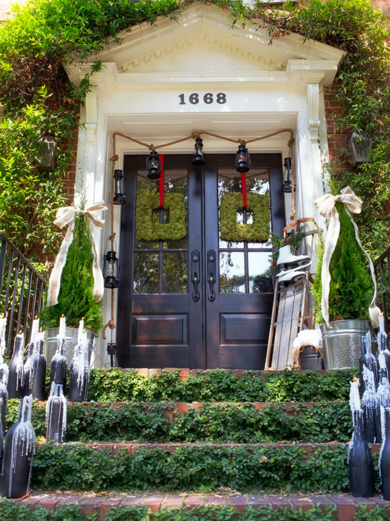 HGTV Christmas Outdoor Decorating Ideas