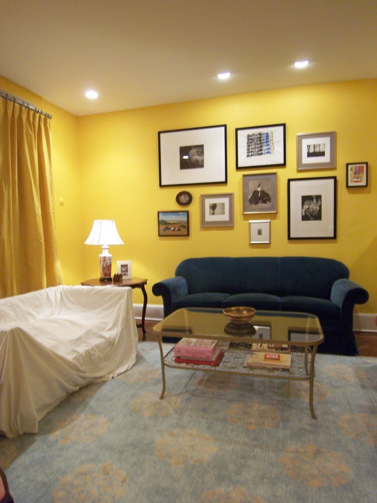 living-room-with-yellow-walls
