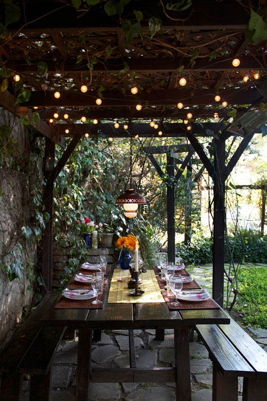 outdoor-patio-string-lights