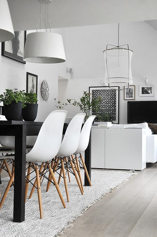 scandinavian-living-room-black-and-white