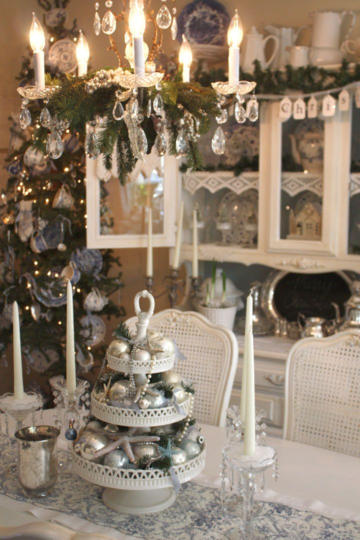 Shabby Chic Christmas Table Centerpieces