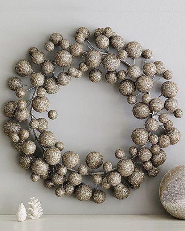 Silver Christmas Wreath Decorating Ideas