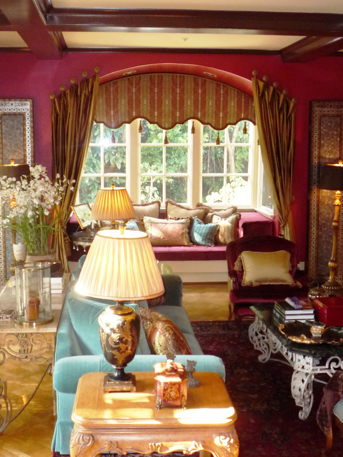 Southern Living Family Room Decor: 25 Beautiful Red Living Room Design Ideas