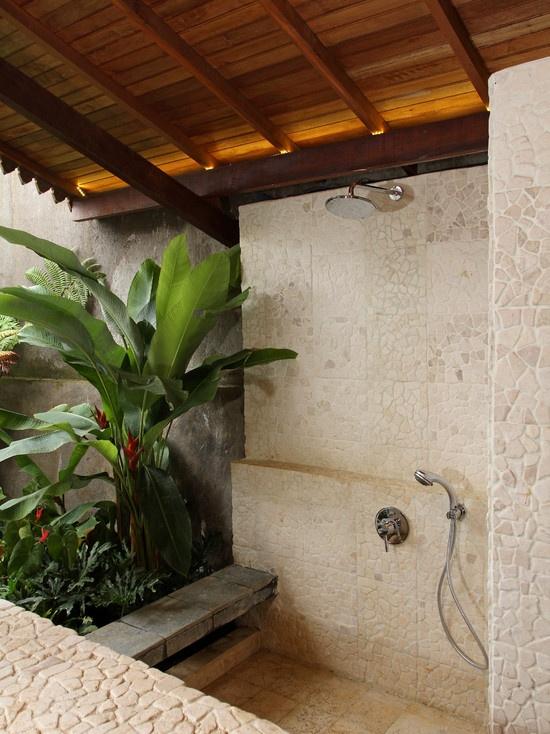 tropical-bathroom-shower-ideas