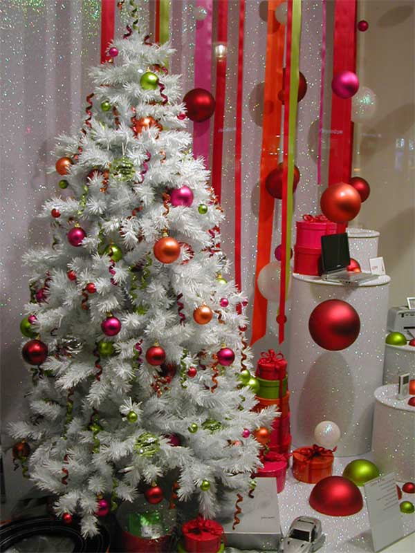 white-christmas-tree-decorating-ideas-2016
