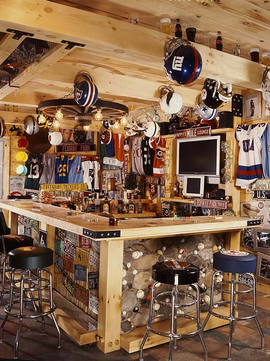 madtes_log_home_sports_bar