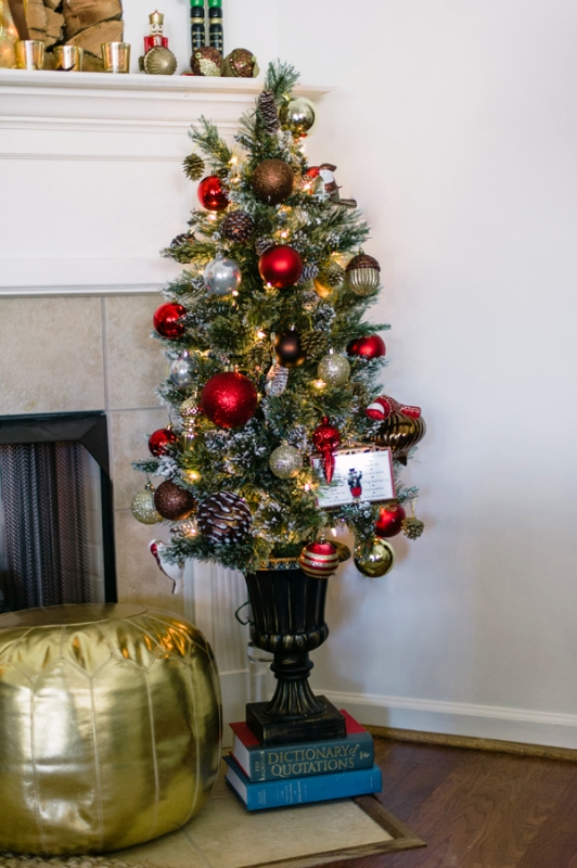4-ft-christmas-tree-decorating-ideas