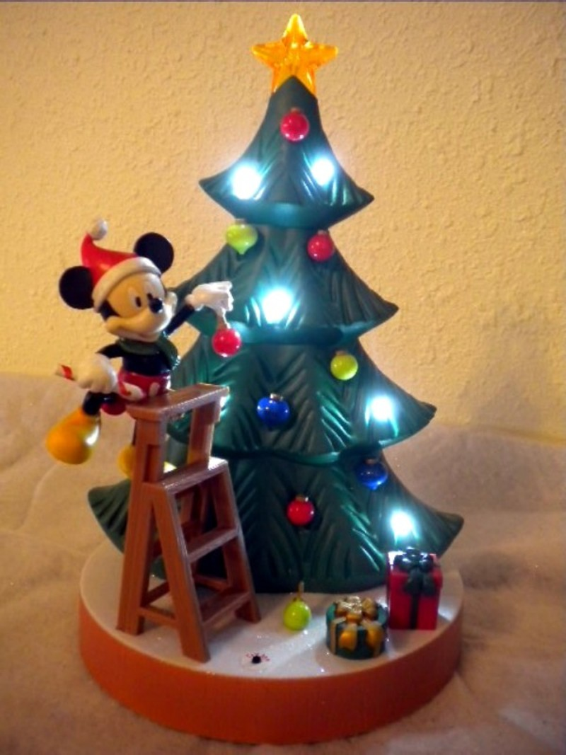 animated-disney-christmas-tree