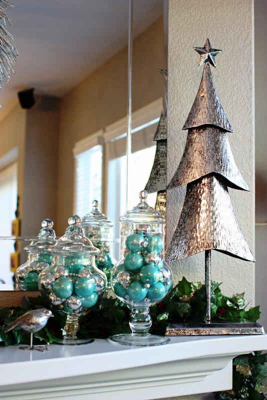 aqua-and-silver-christmas-tree