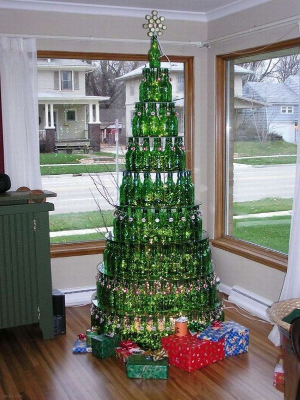 beer-bottle-christmas-tree