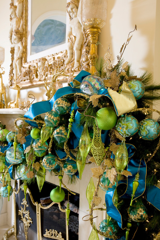 blue-and-green-christmas-decor
