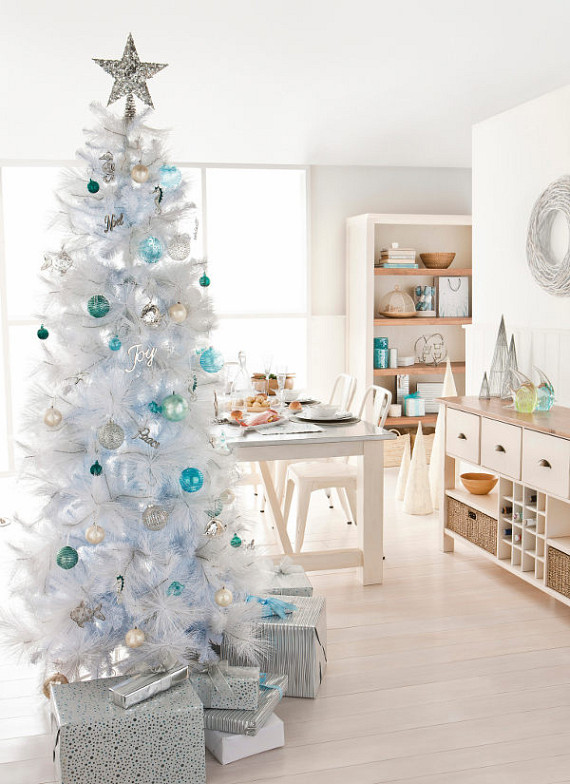 blue-and-white-christmas-finetree-decoration