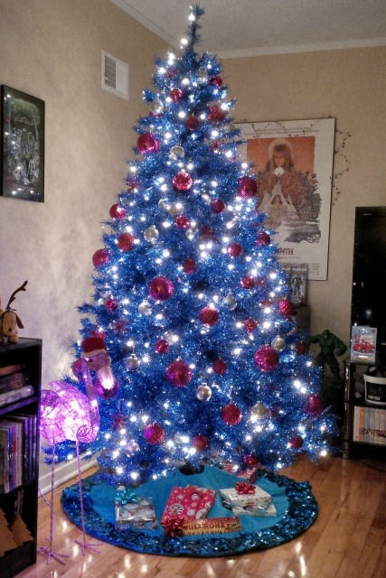 christmas-decorations-blue-design