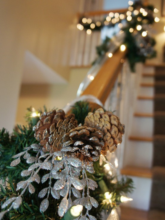 christmas-garland-ideas-staircase-design