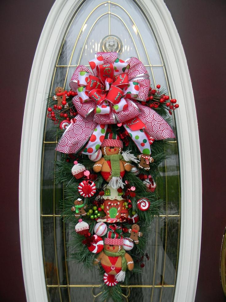 christmas-gingerbread-house-door-decor