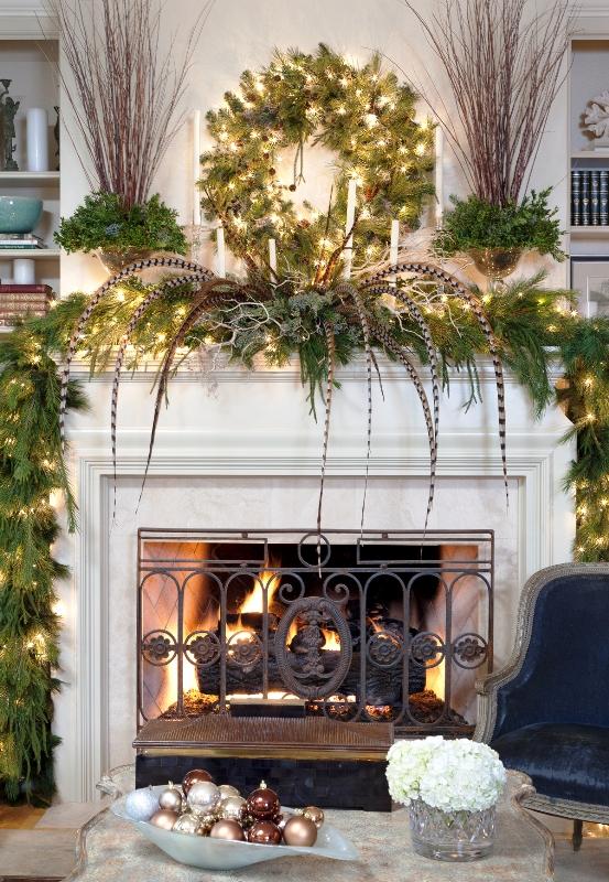 christmas-mantel-decorating