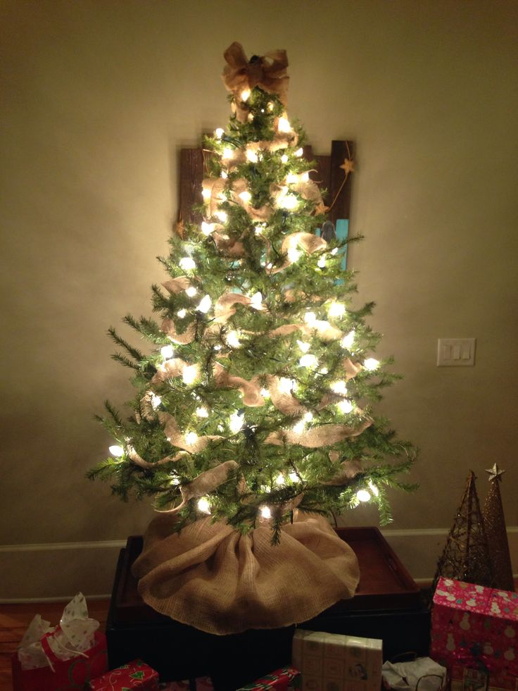 christmas-tree-ideas-with-burlap