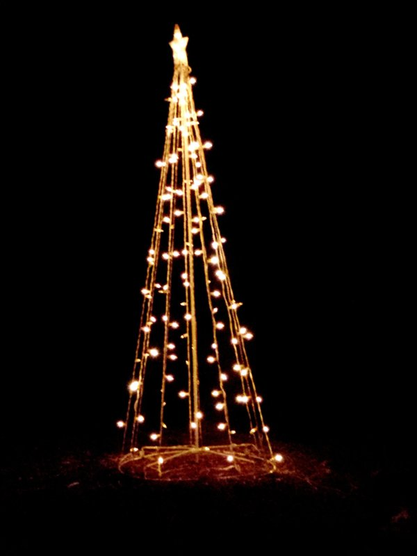 christmas-tree-shaped-like-light