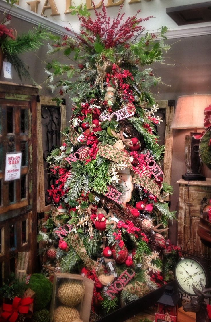 christmas-tree-with-burlap-ribbon