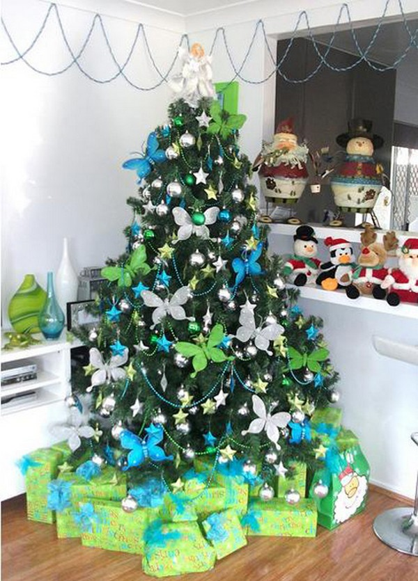 classic-christmas-tree-decorating-fine-design