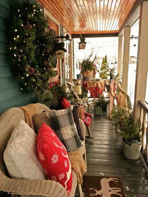 country-christmas-porch