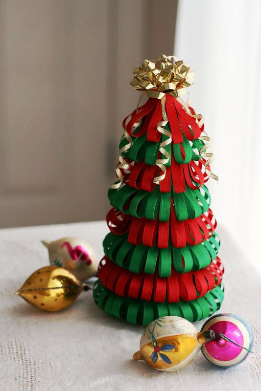 diy-ribbon-christmas-tree
