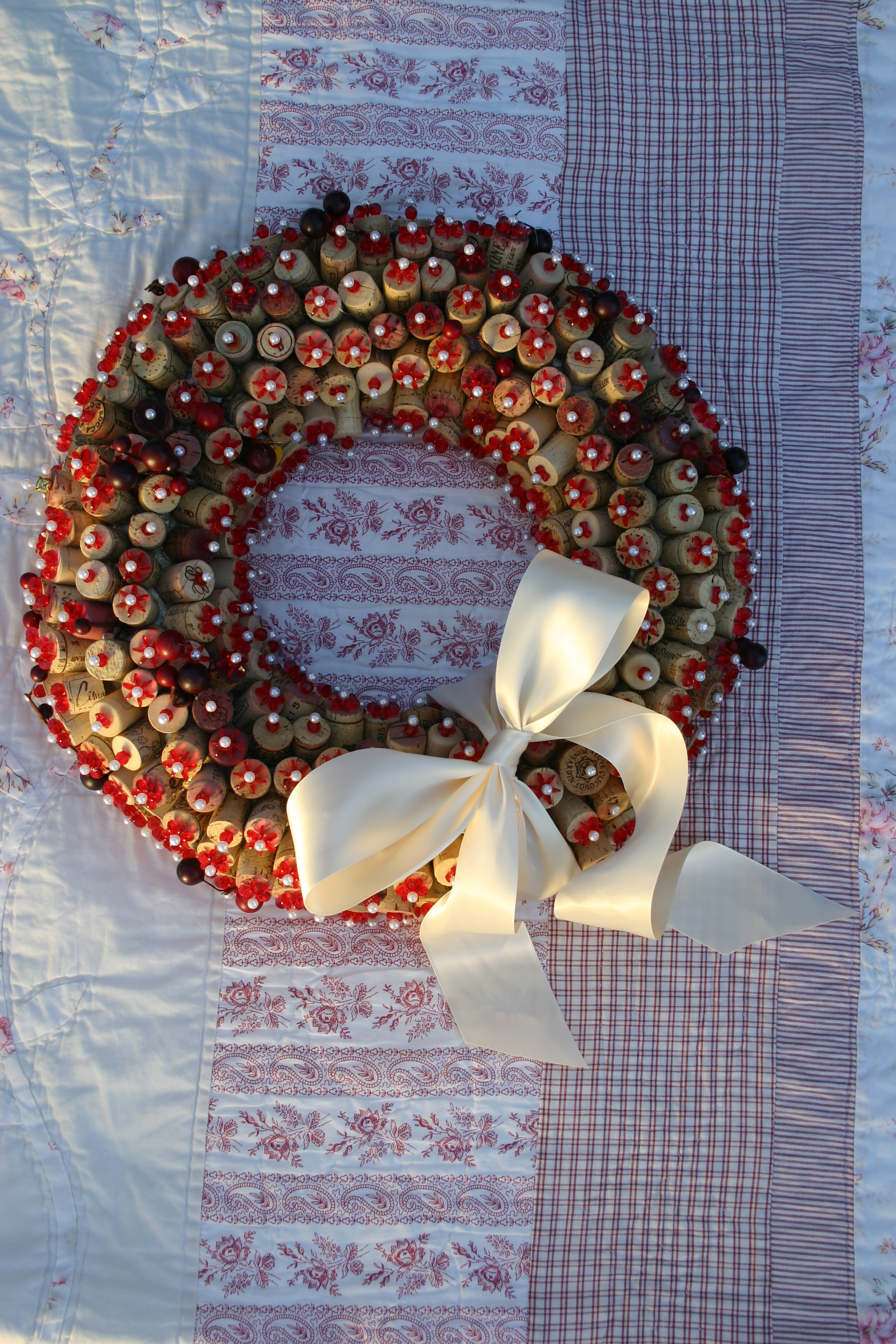 diy-wine-cork-christmas-wreath-design