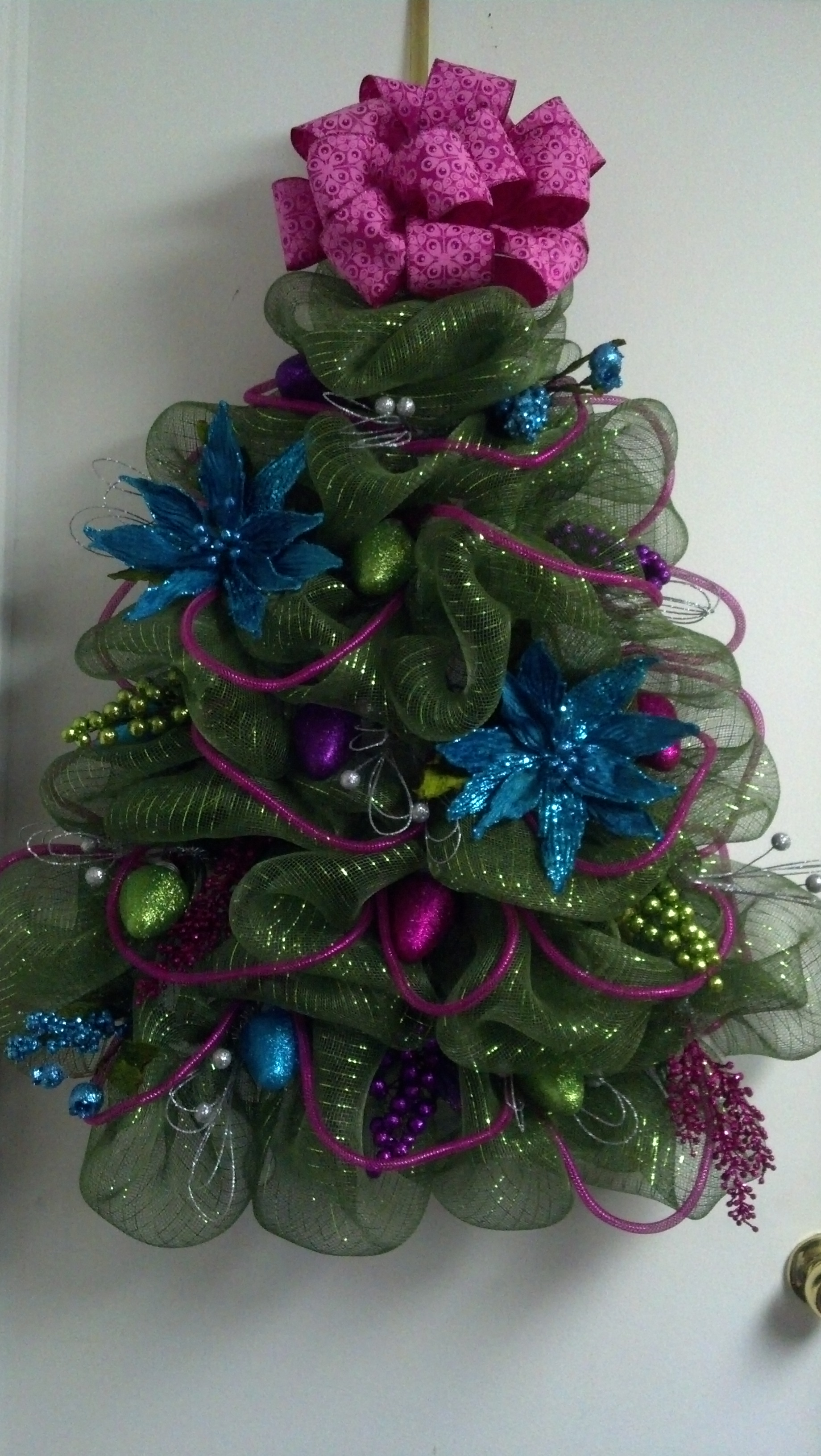 deco-mesh-christmas-door-decoration
