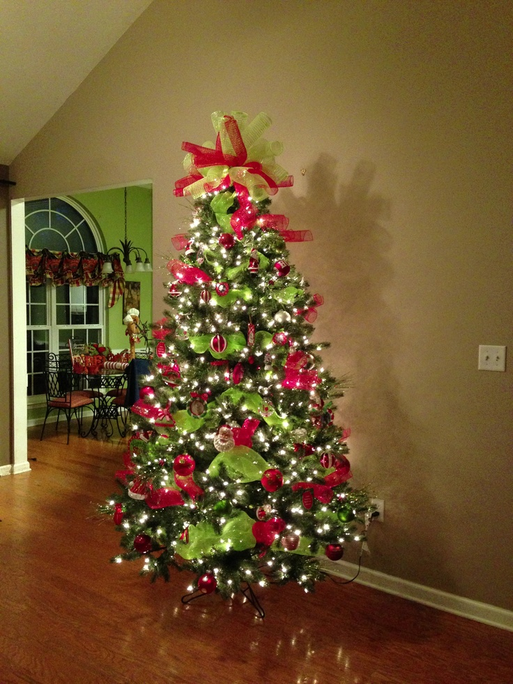 deco-mesh-christmas-tree-design