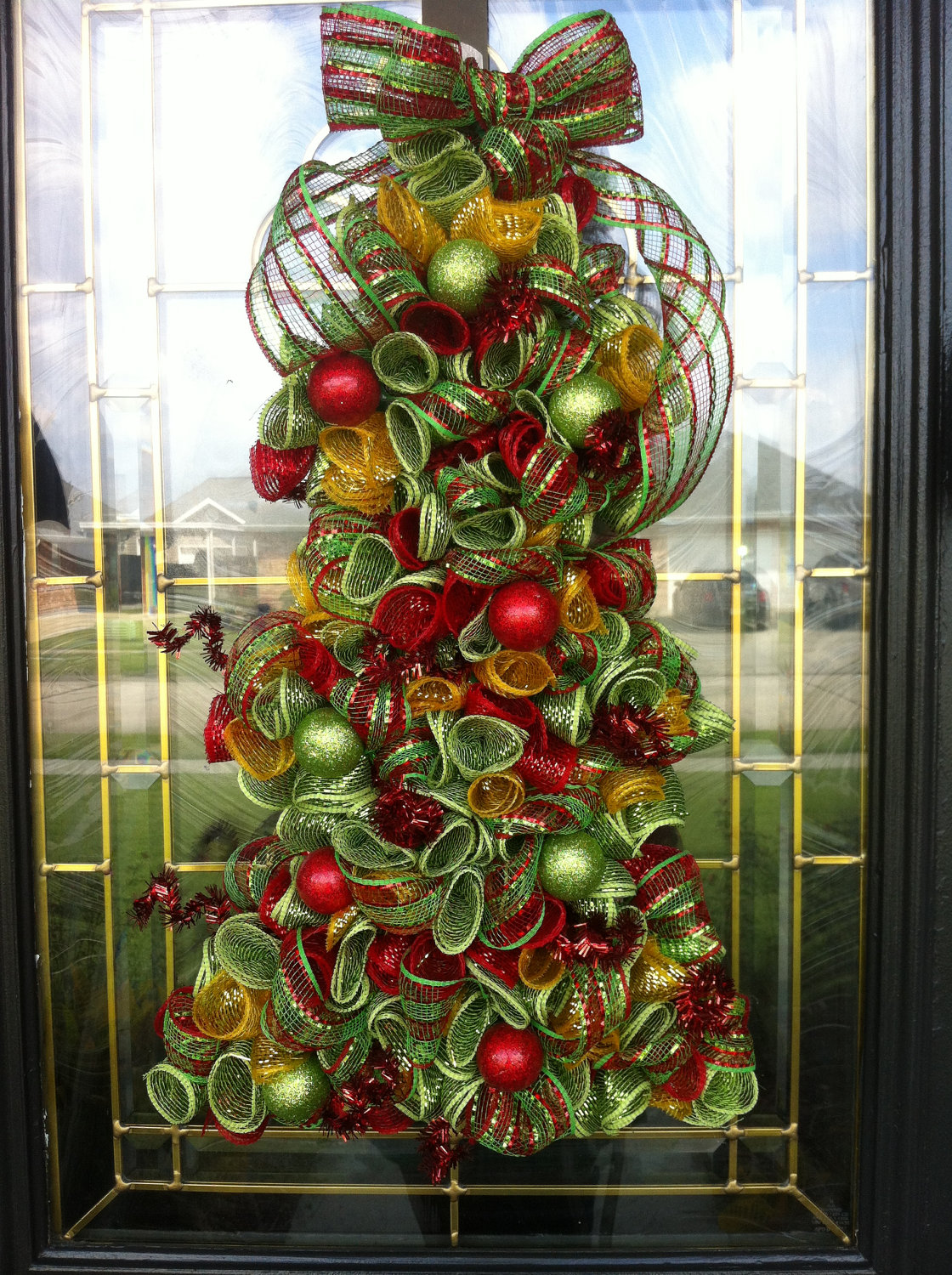 deco-mesh-christmas-tree