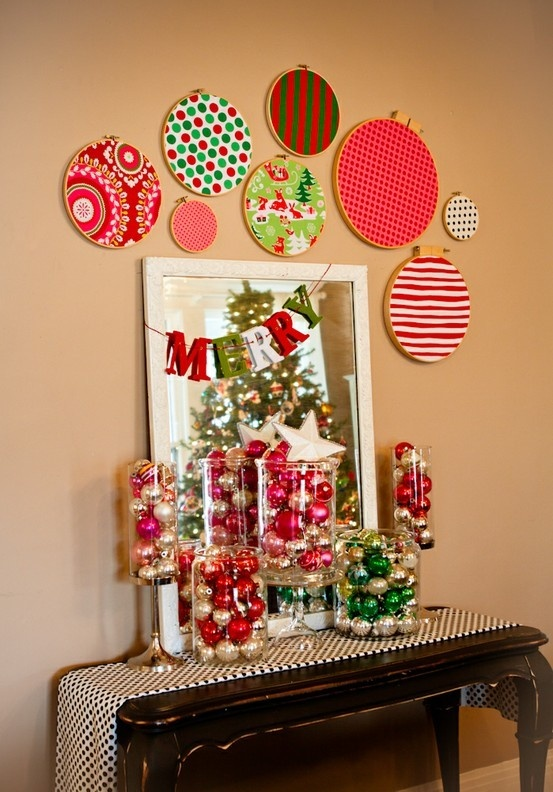 embroidery-hoops-christmas-decor