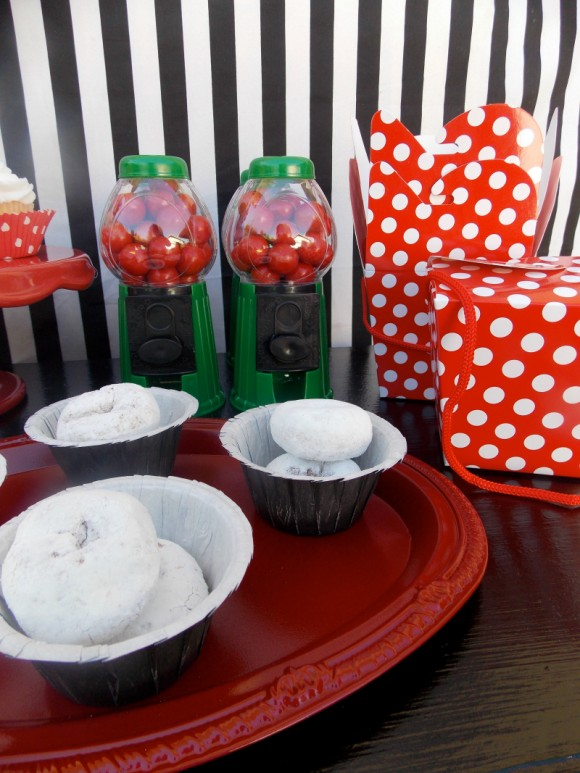 family-christmas-party-ideas-on-a-budget