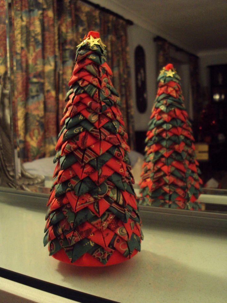 folded-fabric-christmas-tree