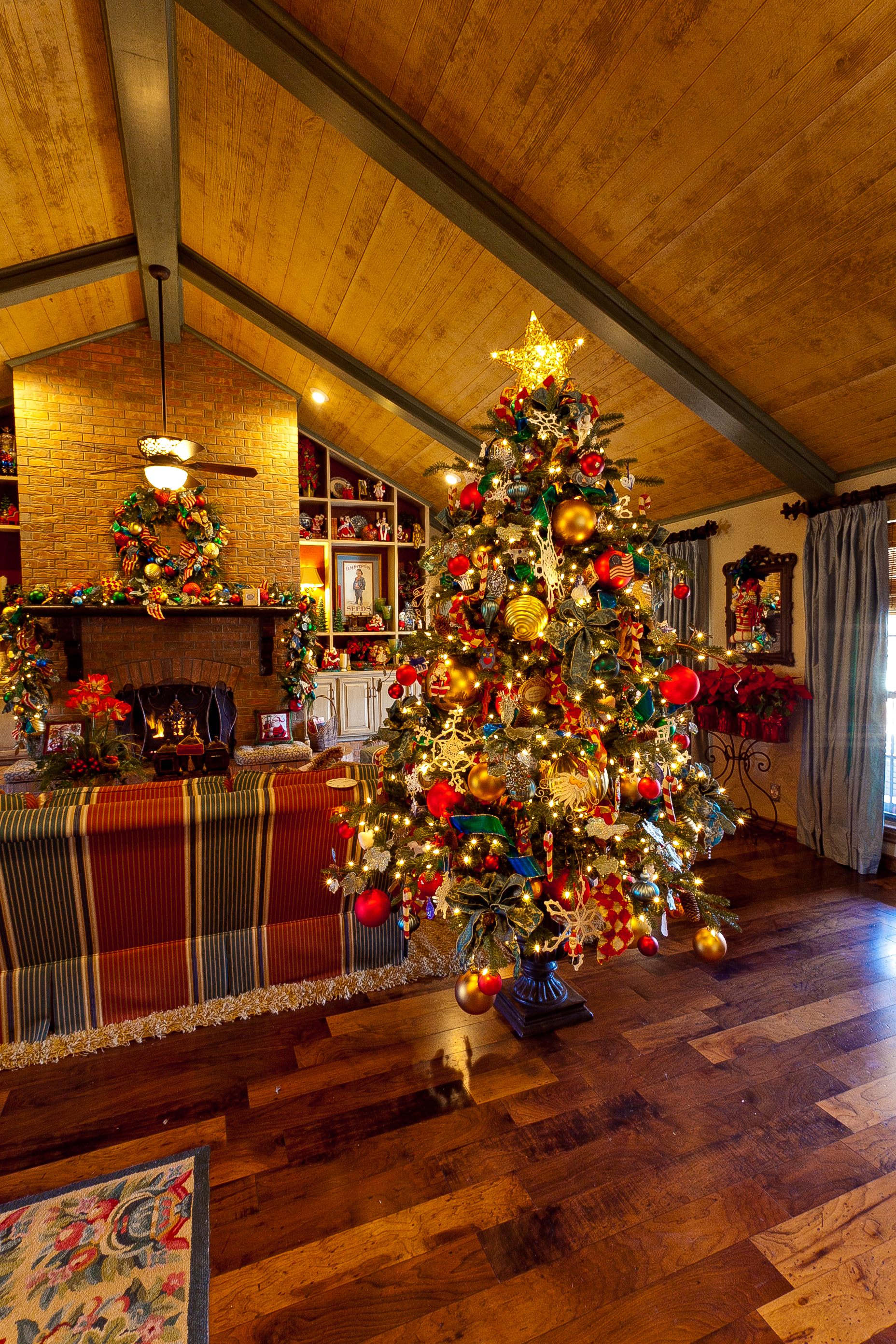 decorated christmas trees country decorated trees 13294