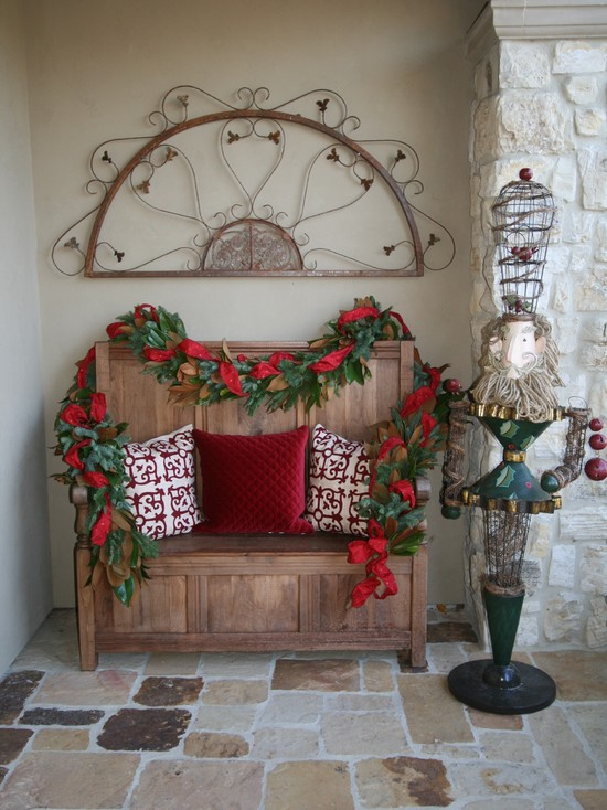 front-porch-wall-christmas-decorations