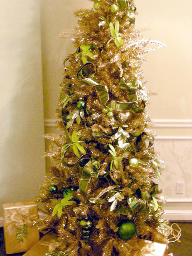 green-and-gold-christmas-tree