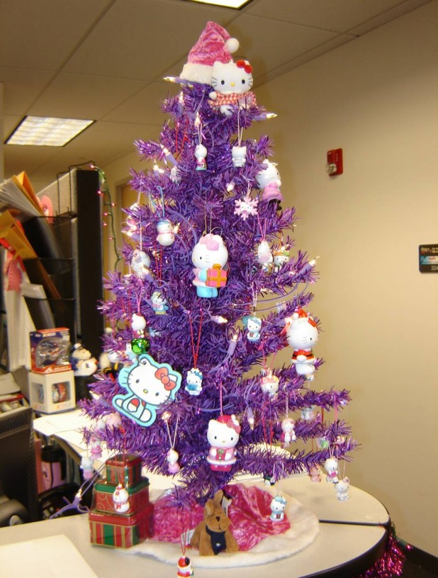 hello-kitty-christmas-tree