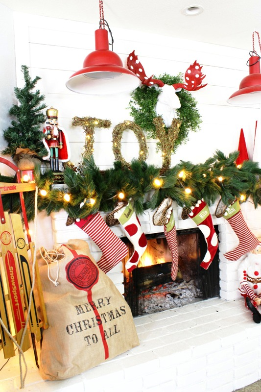 how-to-decorate-a-christmas-mantel