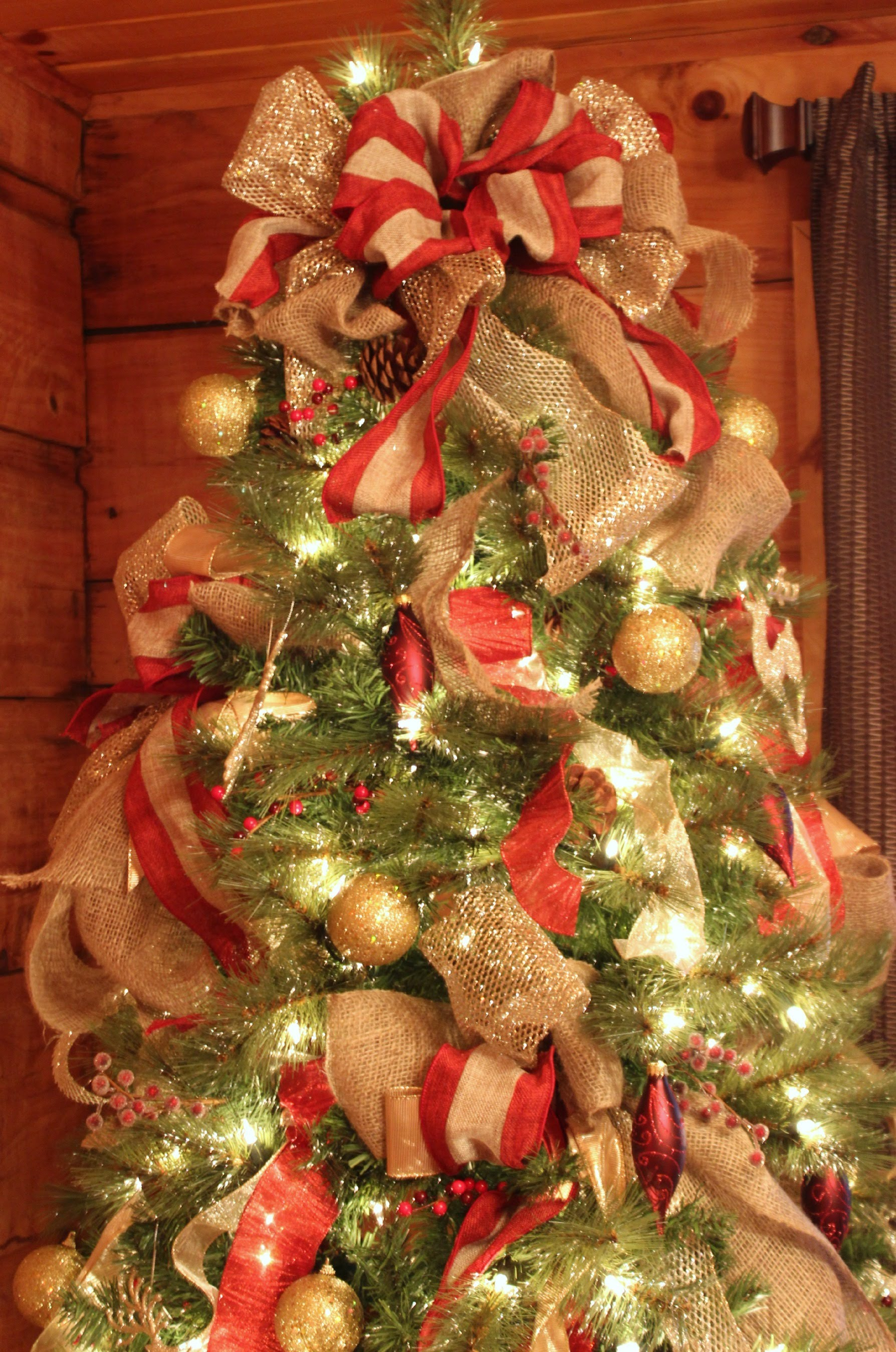 how-to-decorate-with-ribbon-on-christmas-tree