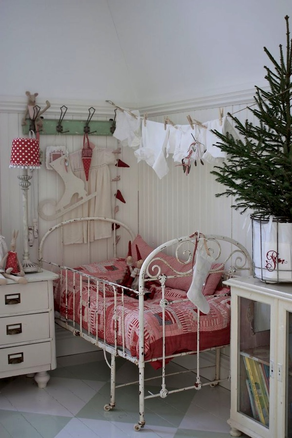 kids-christmas-bedroom