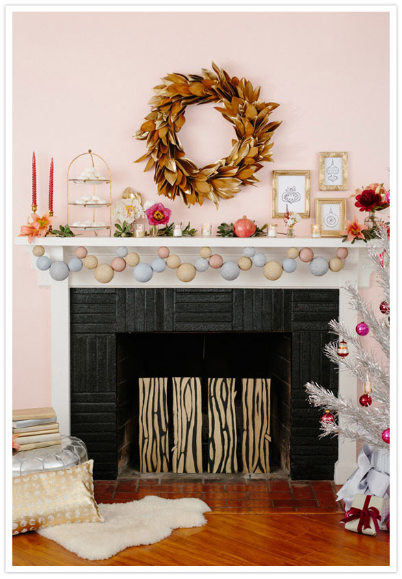 modern-christmas-mantel-decorating-idea