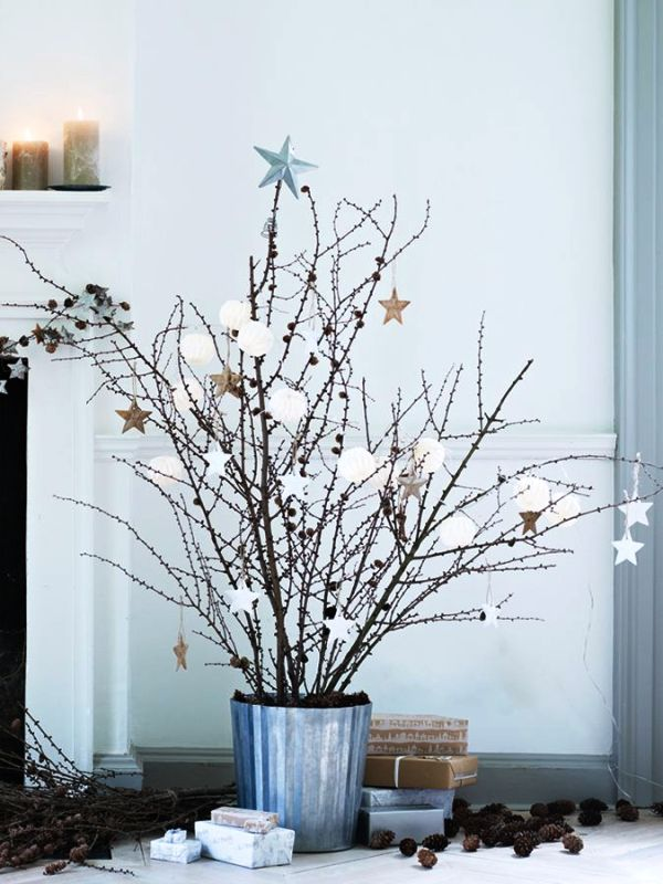 natural-christmas-tree-decorating-design