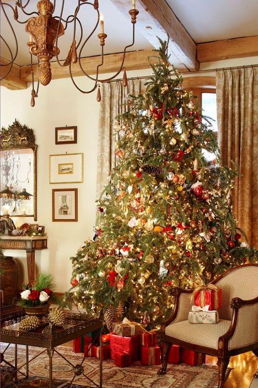 new-england-christmas-decorations