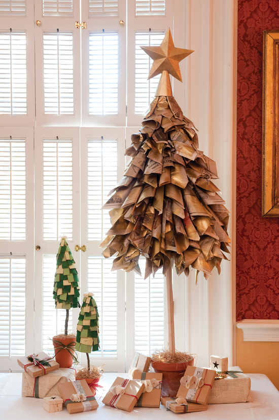newspaper-diy-christmas-tree