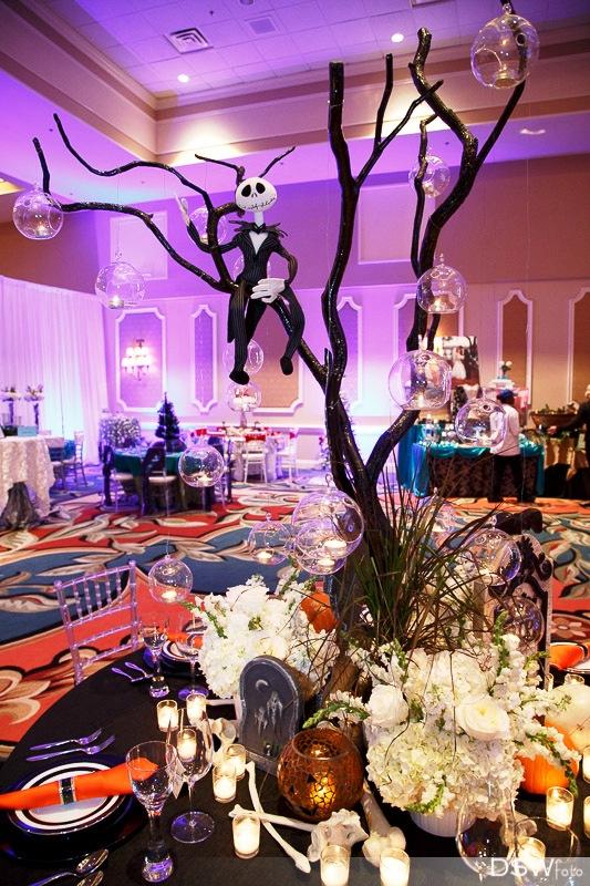 nightmare-before-christmas-wedding-decorations