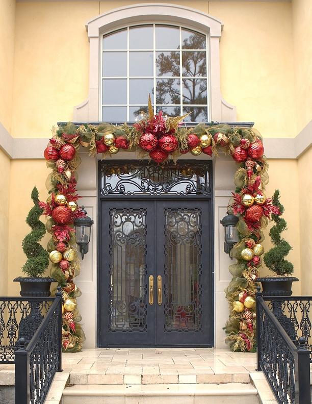 outdoor-front-door-christmas-decorating-ideas