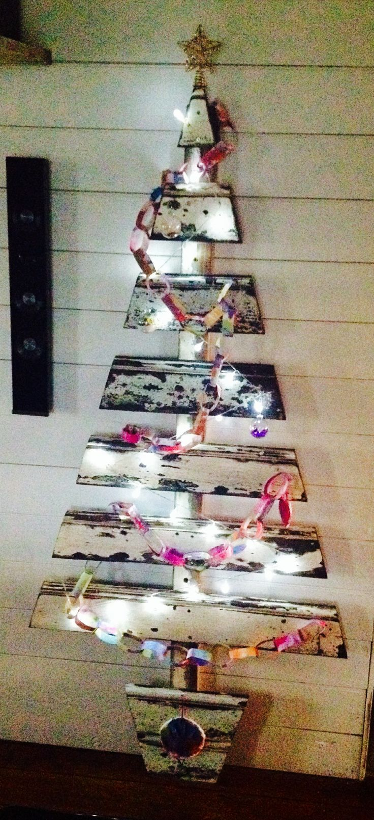 paper-chain-christmas-tree-decoration