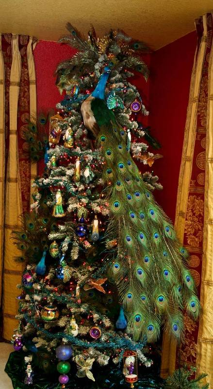 peacock-decorated-christmas-trees