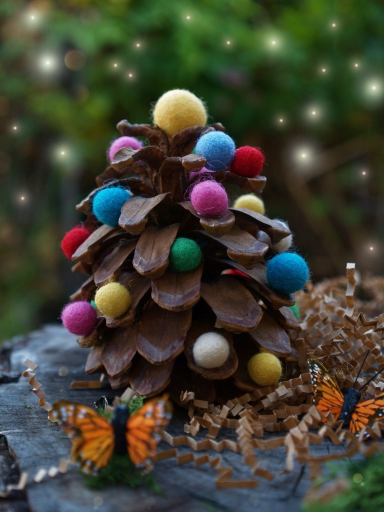 pine-cone-christmas-tree-craft-design-view