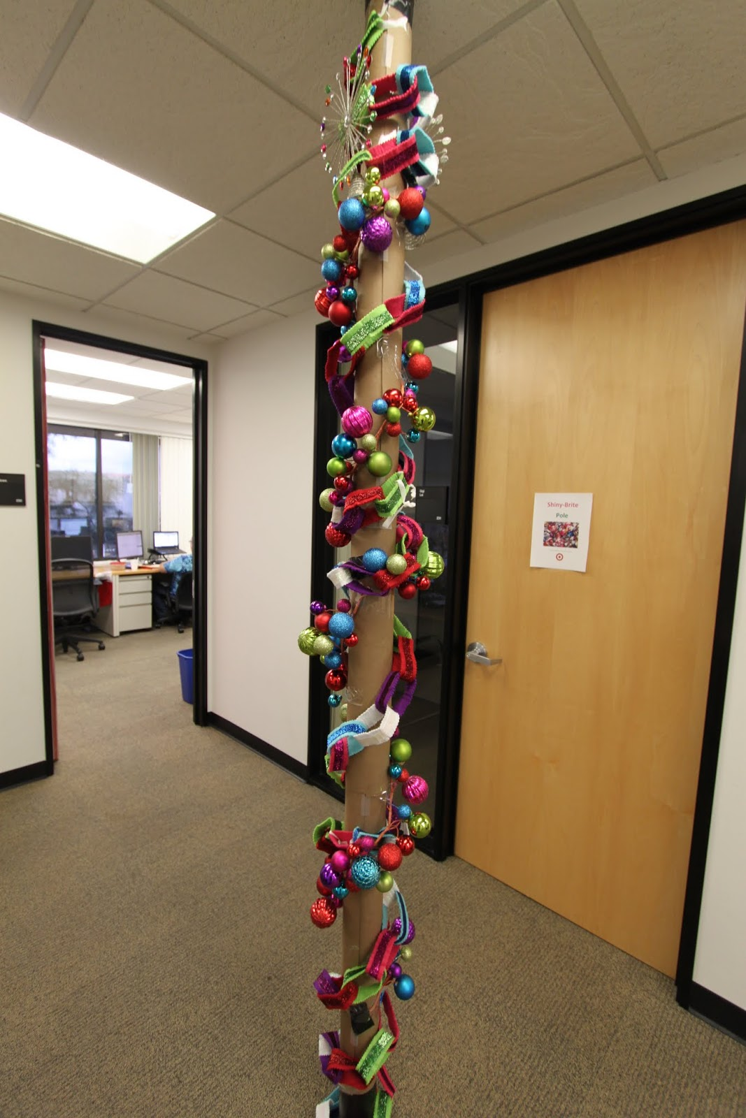 pole-office-christmas-decorating-contest-ideas